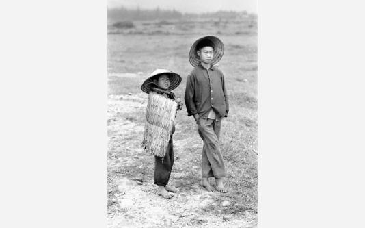 Loconsolo_1977 Vietnam - bambini