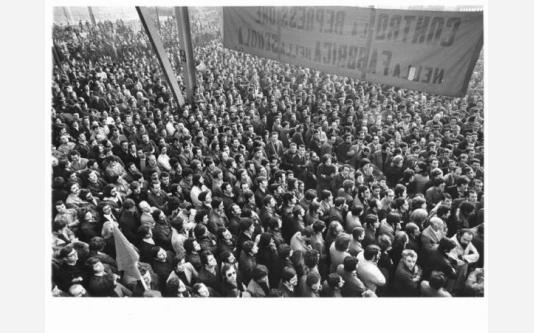 Alfa Romeo di Arese - Assemblea permanente dei lavoratori contro l'arresto di tre operai dell'Alfa Romeo_1973
