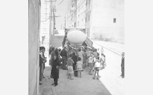 Loconsolo_1965 Gargano, distribuzione dell'acqua_002.jpg