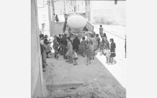 Loconsolo_1965 Gargano, distribuzione dell'acqua_004_0.jpg