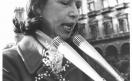 Manifestazione 8 marzo per la giornata internazionale della donna - Jone Bagnoli al microfono_1973